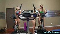 ออกกำลังกายแล้วสาวๆ เลยทำกันเล่นเสียวเลียหีกันซะอย่างนั้น