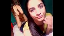 18yo Argentinian girl showing perfect feet on insta