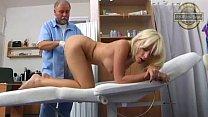 Bella Morgan beim Gyn Doktor CUT
