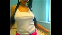 Mi novia mobiendo las tetas para mi por webcams Vorschaubild