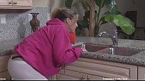भाभी को जबरदसती चोदा रसोई मे