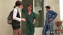 Image: Etudiante francaise grave demontee dans un plan a 3
