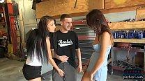 Amateur teen slut shows her tits and fucks a guy for money Vorschaubild