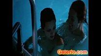 Asia Argento Desnuda y Follando en New Rose Hotel