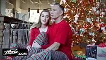 Teen Stieftochter Gefickt Auf Weihnachten Morgen Von Papa