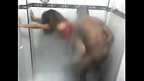 Negao Enrabando Mulher de Corno no Banheiro