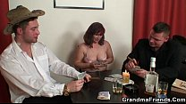 Strip poker leads to threesome Vorschaubild