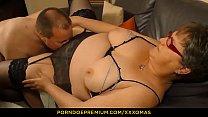 XXX OMAS - Amateur German granny Birgit W gets her mature chubby pussy fucked hard Vorschaubild