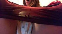 Studentessa gioca con il piscio: grossi pannoloni, tampax e masturbazione per questa regina del fetish spinto! porn thumbnail