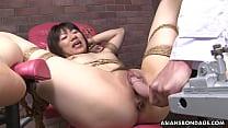 Bokep Tied up Japanese pornstar Shiori Natsumi smashe... gratis di BokepSave.Info