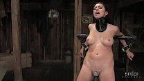 Brunette babe on fucking machine forced orgasms Vorschaubild