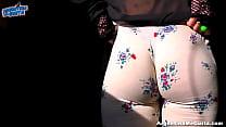 Very Huge Natural Tits On This Tiny Blonde   HUGE CAMELTOE! Vorschaubild