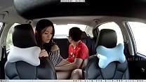 ดูหนังโป๊สาวเงี่ยนตั้งกล้องเย็ดกับผัวในรถลีลาเงี่ยนสุดๆเด็ดมาก