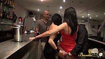 Zahia fait tout pour se faire baiser et son mari aime la regarder Preview