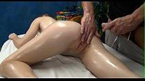 Смотреть порно видеокрасотка массажистка верхом на члене