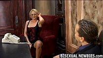 Ich Denke, Es Ist Zeit Für Ein Wenig Bisexuell Experimentieren