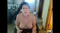 Image: Old sag tittie butt slut enjoys singing on cam xvid