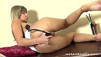 Gina Gee Anal and Pussy Stretch Vorschaubild