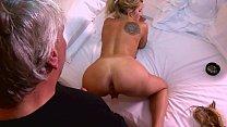 Screenshot Porno Ralle Unt erwegs Mit Seinen Kumpel en Kumpel