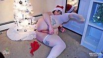 CHUBBY CHRISTMAS CUTIE SUCKS AND FUCKS DILDO