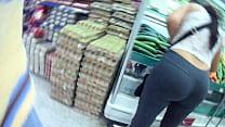 Booty voyeur. Madura culona comprando pepinos preview image