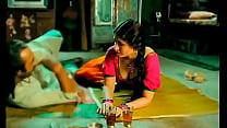 Kareena Kapoor big juicy boobs pressed