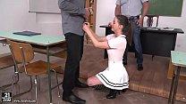 Schoolgirl Gabriella Lati got DPed in the classroom Vorschaubild