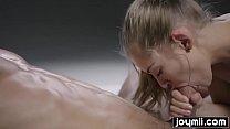 Joymii sensual double cumming massage with perfect teen girl Vorschaubild