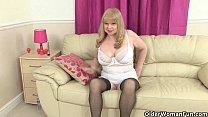 British grannies Pearl and Amanda going solo in stockings Vorschaubild