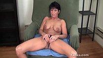 Yanks MILF Kassandra Wild Works Her Clit thumbnail
