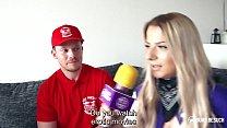 BUMS BESUCH - Busty German teen pornstar banged by the pizza boy Vorschaubild