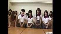 Japanes schoolgirls strip