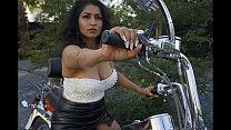 Sexy Bhabi gets naked on Bike