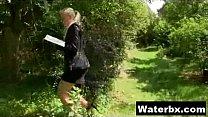 Juicy Girl Naked Peeing