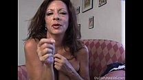 Super sexy old spunker fucks her soaking wet pussy for you Vorschaubild