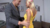 Die Freundin vom Neffen gefickt - HD - Jasmin Rouge Vorschaubild
