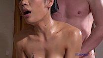 มาดูเธอคนนี้เป็นกระหรี่สาวไทยตัวเล็กเย็ดกับฝรั่งหนุ่มควยใหญ่แตกในตูด