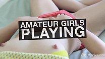 Девушка в бане мастурбирует видео