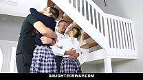 DaughterSwap - Naughty Mädchen Gefickt Von Alten Väter