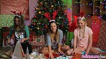 Twistys - The Gift Of Giving - Chloe CoutureJaye SummersLiza Rowe - 9Club.Top
