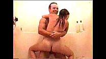 hijo graba a su madre  con su tio en la ducha para hacerle chantaje Thumbnail