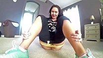 Sexy Latina Fucks Herself while Stretching her Legs Wide - xFuckCam.com