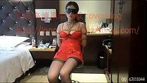COSPLAY美女被诱至厕所拍摄捆绑鞭笞 在酒店绑架红衣大胸美女缩略图
