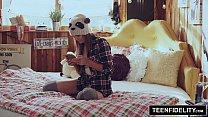 TEENFIDELITY - Creampie-Überraschung Von Stepdad In Shyla Ryders Pussy
