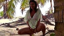 Porno Pe O Insula Pustie Cu O Bruneta Sexy Fututa In Nisip