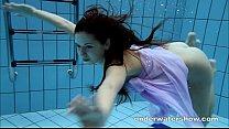 Девушки кончают под струей воды видео в шд