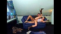Geile Sau fickt auf der Couch - German Vorschaubild