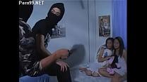 วัยรุ่นสาวไทยอารมณ์เปลี่ยวเงี่ยนเลยเล่นเสียวใช้ดิลโด้ถูเสียบหีตัวเองแตกในปาก