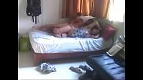 Ночью забрался к сестре в постель