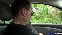 Juliana, Elle Rate Son Avion Mais Se Fait Enculer Par Le Chauffeur De Taxi